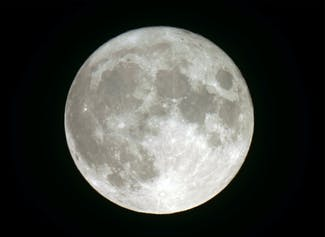 I can describe patterns that I observe of the Moon and its phases.